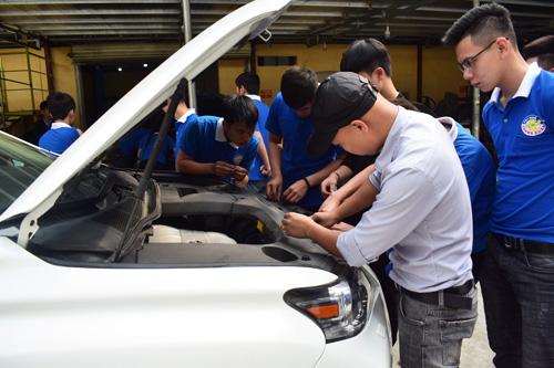 Dạy nghề sửa chữa điện ô tô tại Hà Nội